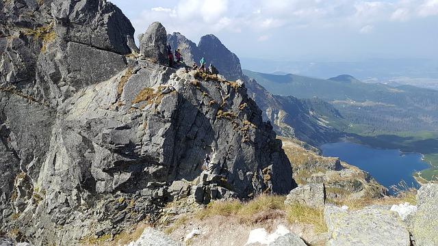 Czym byłyby wakacje bez wyjazdu ze znajomymi do domku w górach?