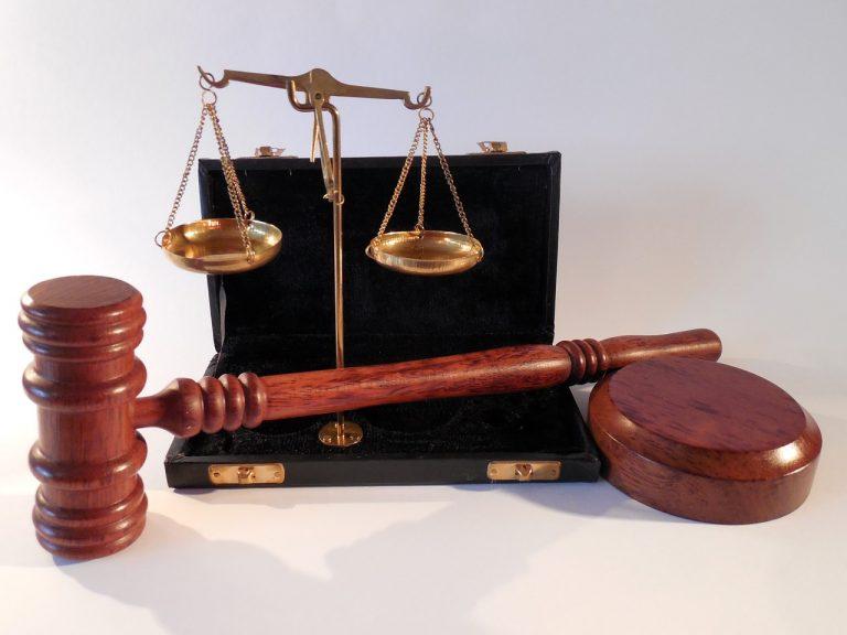 Jak często korzystacie z profesjonalnych porad prawnych?