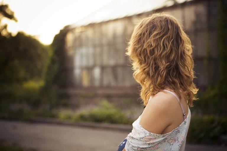 Wskazówki, jak radzić sobie z wypadaniem włosów